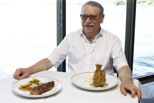 Francisco Ansiliero trabalha a carne de porco há anos e acredita que, aos poucos, o preconceito diminui  (Ana Rayssa/CB/D.A Press)