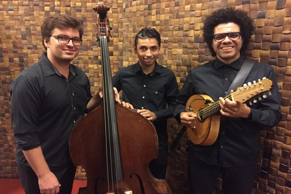 Hamilton de Holanda Trio recebe Mariana Aydar como convidada  (Marcos Portinari/Divulgação)