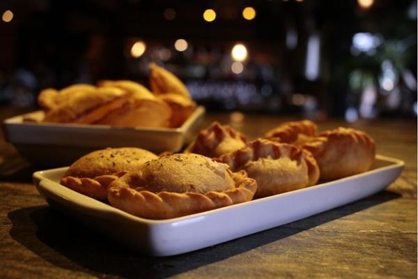 As empanadas são diferenciadas na massa e nos recheios (Ana Rayssa/CB/D.A Press)