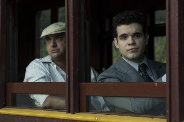 O filme conta a história de um dos médiuns mais famosos do Brasil  (Fox Film do Brasil/Divulgação)