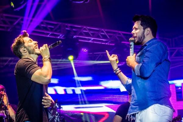 Dupla Henrique & Ruan se apresenta em Brasília (Ana Morena/Divulgação)