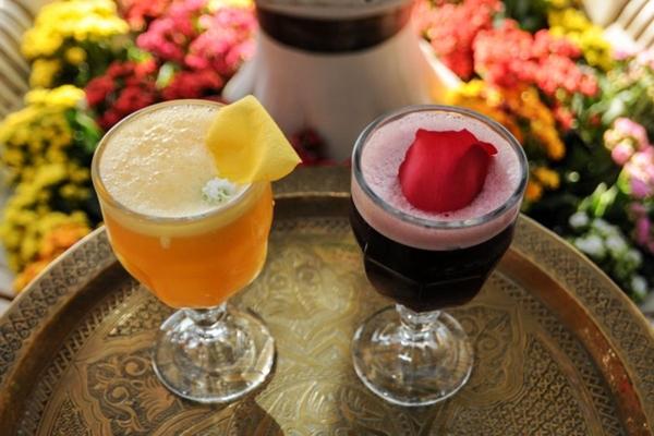 Drinques com águas de flores são típicos na gastronomia árabe (Bárbara Cabral/Esp. CB/D.A Press)