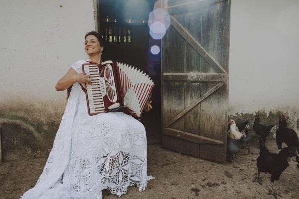 Enluarada - Uma epopeia sertaneja mistura música, teatro e culinária  ( Diego Bresani/Divulgação)