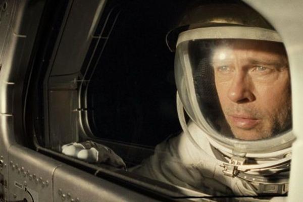 Brad Pitt é a figura central da ficção científica 'Ad Astra - Rumo às estrelas' (Reprodução/Adoro Cinema)