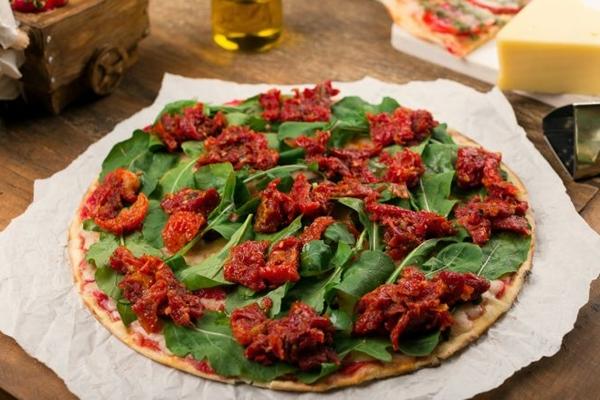 Receitas veganas da Pizza à Bessa têm no tempero de azeite e sal o segredo para o sabor (Pizza a Bessa/Divulgação)