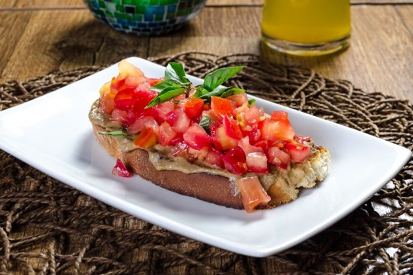 Na culinária italiana da Due Trattoria e Bruschetteria, a Tapenade é uma boa pedida vegana  (Pedro Santos/Divulgação)