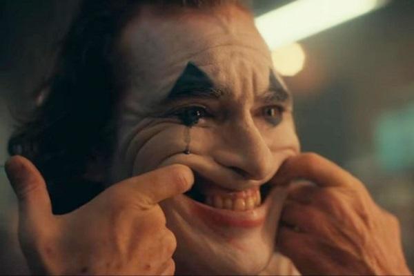 Joaquin Phoenix perdeu 24 quilos para interpretar o vilão ( Warner Bros./Divulgação)