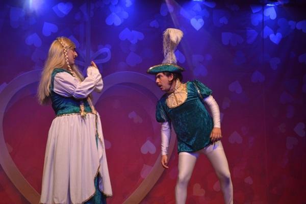G7 apresenta a peça 'Amar é brega' neste fim de semana no Teatro Maristão  (G7/Divulgação)