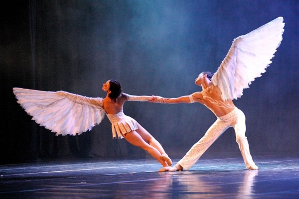Ballet de São Petersburgo faz apresentação única em Brasília com espetáculo 'Duets' (Dimitri Simonov/Divulgação)