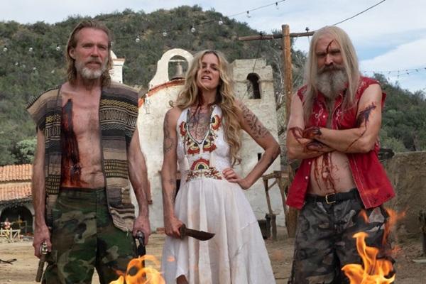 Os personagens principais de Os 3 infernais deixam uma trilha de pessoas mortas por onde passam (LIONSGATE/Divulgação)