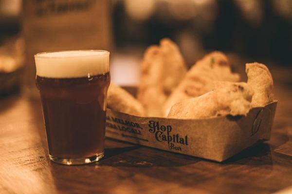 A Hop Capital Beer tem se consolidado na cidade e distribui as cervejas produzidas em todo o DF  (Hop Capital Beer/Divulgação)