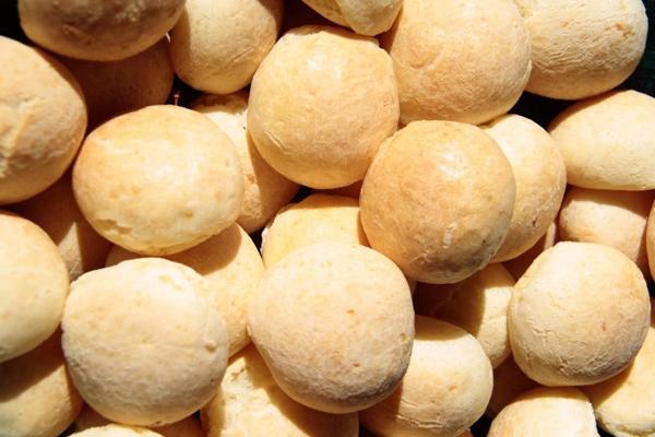 O pão de queijo é a cara e o gosto de Minas Gerais (Ana Rayssa/Esp. CB/D.A Press)