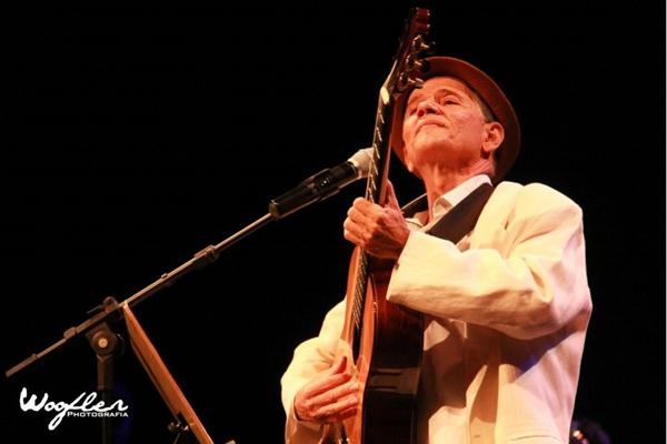 O multiartista Antônio Nóbrega apresenta 'Recital para Ariano Suassuna' (Woofler Photografia/Divulgação)