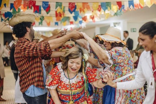 O centro geriátrico Grupo Altevita realiza festas temáticas para idosos ( ASCOM Altevita/Divulgação)