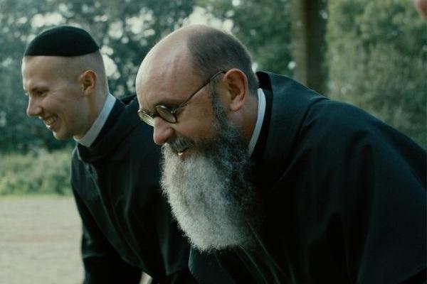 'Duas coroas' traz a história do sacerdote Maximiliano Kolbe  ( A2 Filmes/Divulgação)
