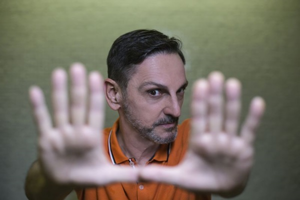 Paulo Miklos apresenta repertório com novidades e clássicos (Arquivo pessoal/Divulgação)