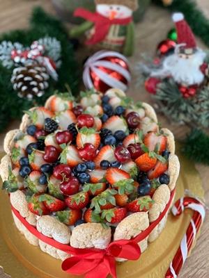 Atraindo os olhares, as Charlottes estão disponíveis em diversos sabores como o de frutas vermelhas (Quitutices/Divulgação)