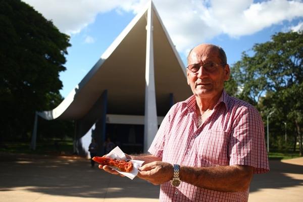 Enildo Veríssimo toca a pizzaria Dom Bosco há 60 anos: várias gerações passaram pelo local  (Ana Rayssa/CB/D.A Press)
