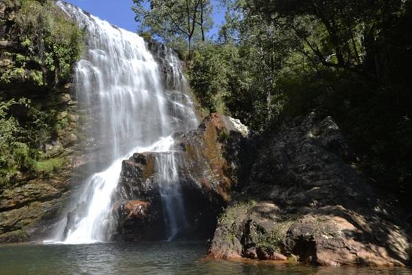 Uma excelente alternativa para aliviar o calor é um banho de cachoeira (Marcelo Ferreira/CB/D.A Press)