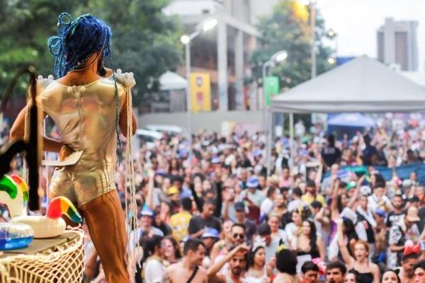 O Festival Sereias Tropicanas agita o Setor Comercial Sul neste sábado e domingo (Humberto Araújo/Divulgação)