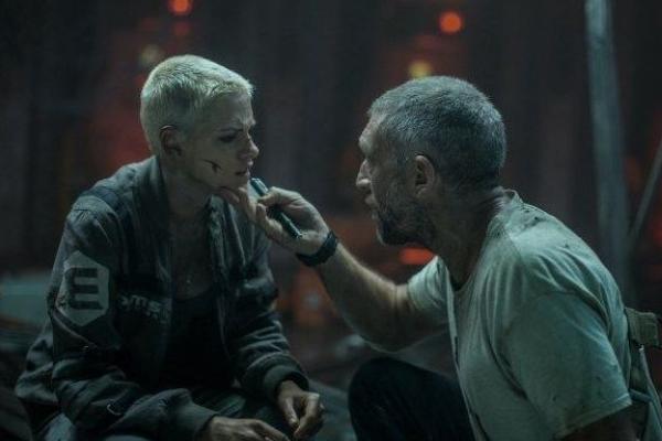 'Ameaça profunda': em risco estão personagens como os de Kristen Stewart e Vincent Cassel  (Disney/Divulgacao)