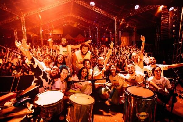 O Divinas Tetas é atração do dia 18 de janeiro no Setor Carnavalesco (Thais Mallon/Divulgação)