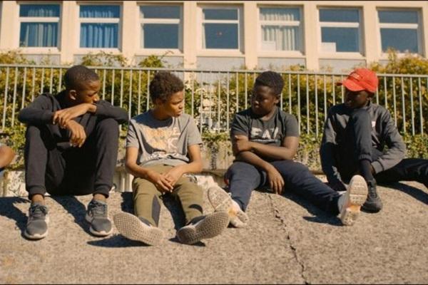 'Os miseráveis' utiliza elenco amador em atuação autêntica (Srab Films/Divulgação)