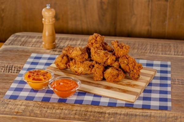 O frango frito desperta a gula da clientela no BFC (BFC/Divulgação)