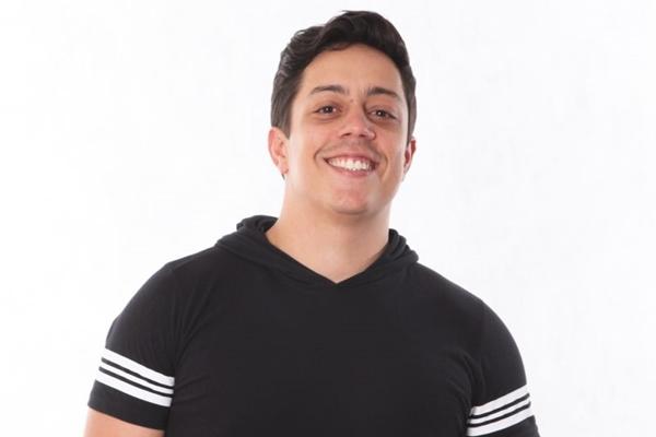 Renato Albani é um dos artistas mais prestigiados do país na atualidade (Nume produções/Divulgação)