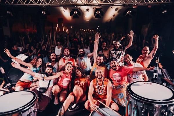 Divinas Tetas é um bloco de carnaval que toca músicas da tropicália (Thais Mallon/Divulgacao)