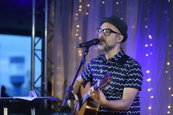 Lucas Santtana apresenta canções do álbum 'O céu é velho há muito tempo' nesta sexta, na Cervejaria Criolina  (Ed Alves/CB/D.A Press)