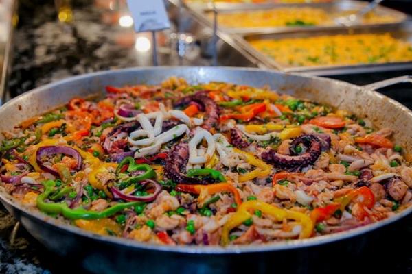 A paella leva em sua receita alguns frutos-do-mar (Pizzamar/Divulgacao)