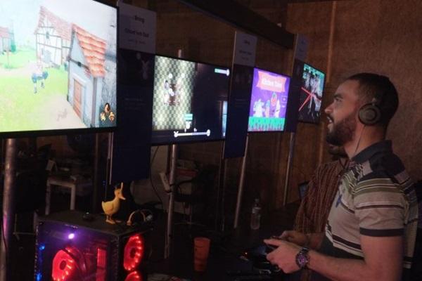 A mostra oferece cerca de 20 jogos para diversão do público (Brasília Indie Games/Divulgação)