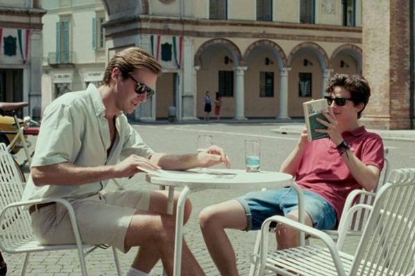 Timothée Chalamet e Armie Hammer no filme de Luca Guadagnino  (Reprodução/Internet)