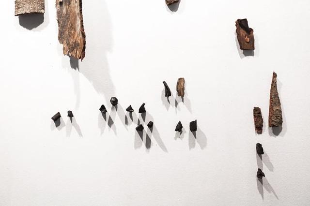 'Práticas de notação do tempo', da artista Ludmilla Alves, em exposição na Galeria Casa ( Ludmilla Alves/Divulgação)