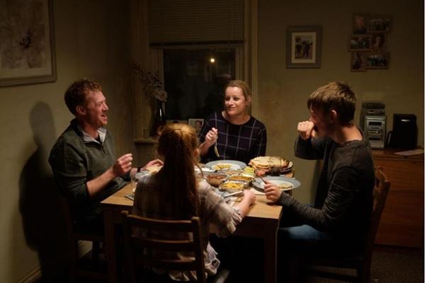 Em 'Você não estava aqui', mostra o lado duro das mudanças na relação de trabalho (BBC films/Divulgação)