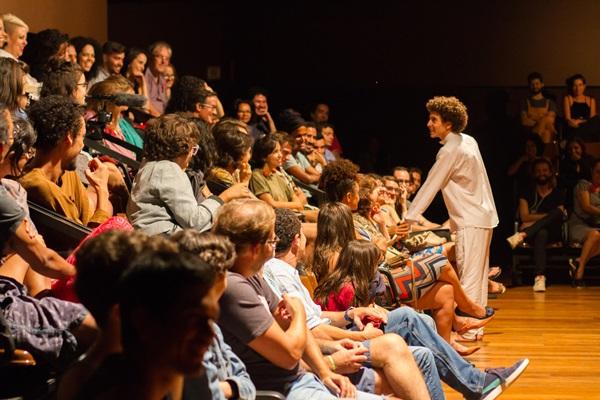 'É a história de um menino que o sonho dele é ser artista', explica o ator Matheus Dias (Humberto Araújo/Divulgação)