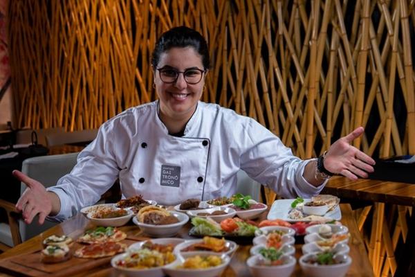 Aos 30 anos, Lídia Nasser comanda vários restaurantes, e o número só aumenta (Thiago Bueno/Divulgação)