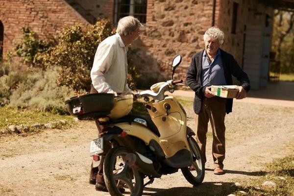 'Doce entardecer na Toscana' mistura o antigo da Itália com temas e conceitos modernos do cinema (TankProduktion/Divulgação)