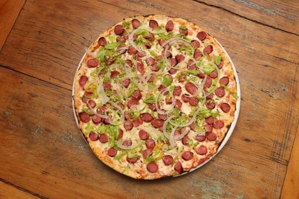 A pizza Mineirinha é uma das mais pedidas do rodízio da Pizza à Bessa (Arthur Menescal/CB/D.A Press)